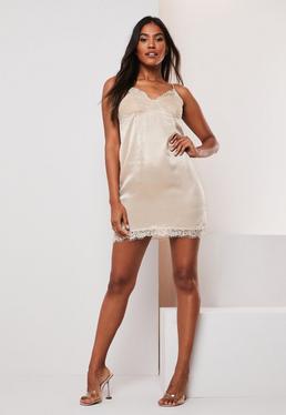 мини-платье из атласной кружевной отделки