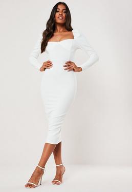 Белое платье-миди с длинными рукавами доярки