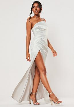 Серое атласное платье макси на одно плечо