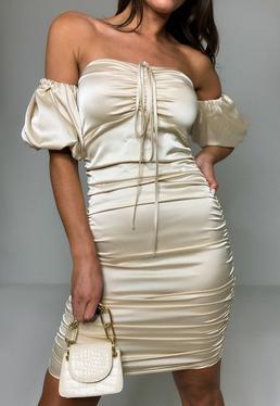 Kremowa satynowa marszczona sukienka mini z krótkimi bufiastymi r?kawami