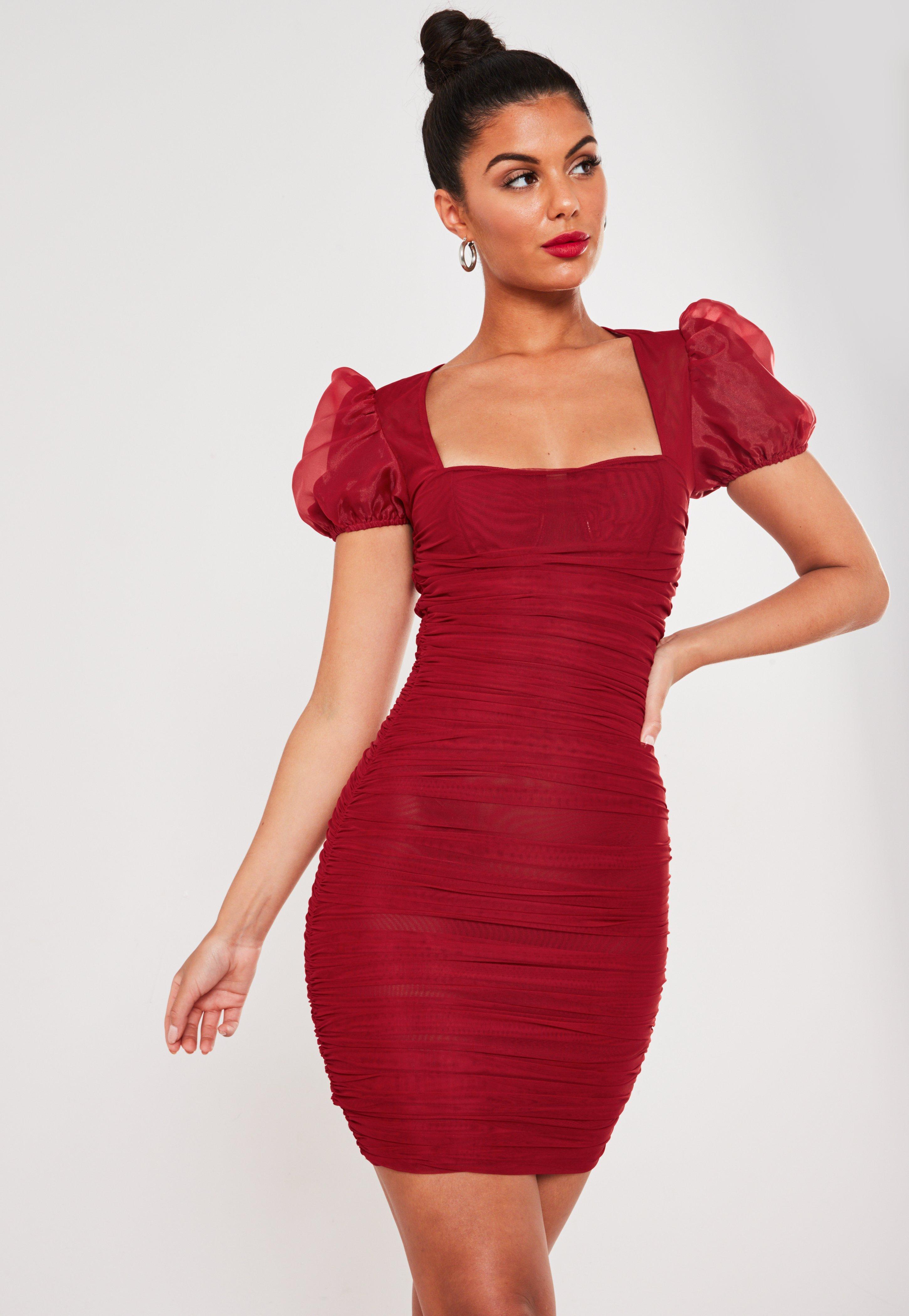 mesh-minikleid mit puffärmeln und raffung in rot