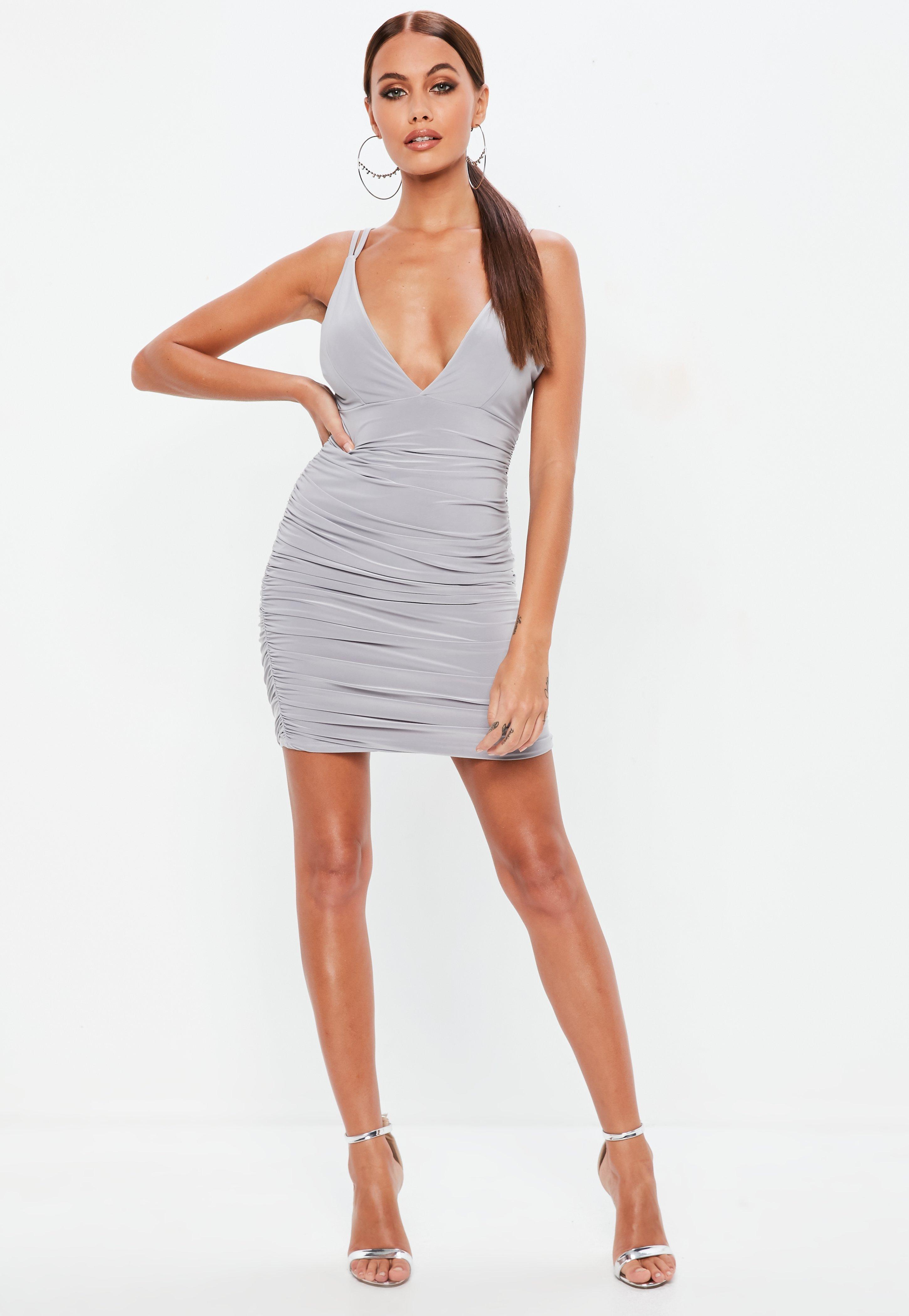 Vestidos con escote en V | Vestidos escotados - Missguided