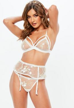 Discover women's lingerie and nightwear. The latest bras & briefs, from shapewear, corsets & maternity lingerie, to bodies & accessories. Shop from ASOS today.