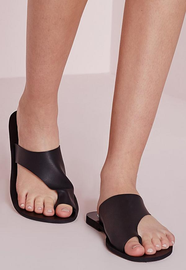 Asymmetric Toe Flat Sandals Black
