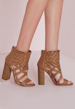 Gewebte Sandalen mit Absatz und Knöchelriemen in Hellbraun