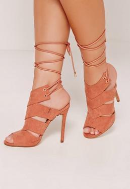 Sandales peep toe roses à talon fin et lacets