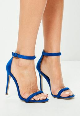 Zarte Sandalen mit abgerundeten Riemen in Blau