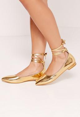 Chaussures plates dorées brillantes à lacets