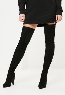 Czarne botki za kolano z trójkątnymi obcasami
