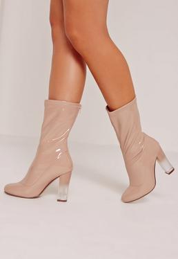 Ankle Boots in Lackoptik mit transparentem Absatz in Nude