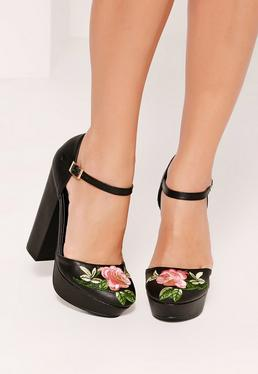 Sandales à plateformes noires brodées et brides de chevilles
