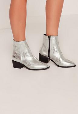 Ankle Boots mit sternförmigen Nieten in Silber