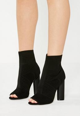 Peep Toe Ankle Boots mit Strickdetails in Schwarz