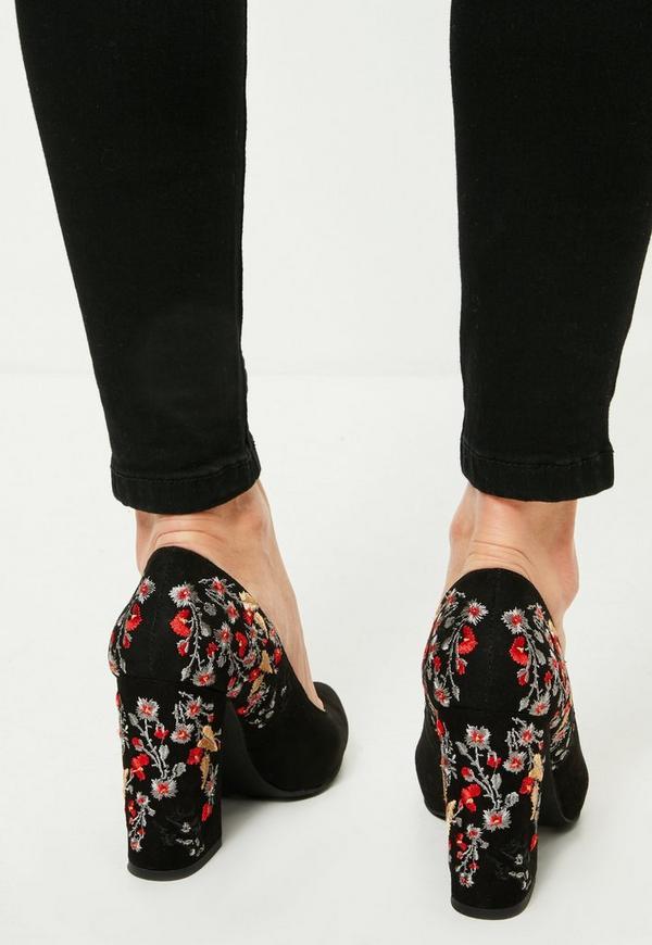 Manolo Blahnik Black Embroidered Heels Pumps
