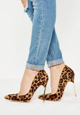 Chaussures à talons marrons à imprimé léopard et bout pointu