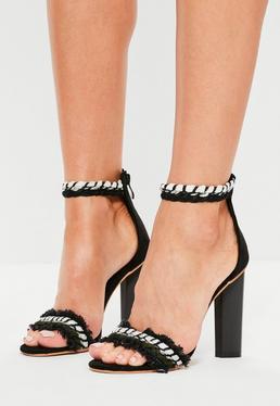 Sandales à talons noires en denim effiloché