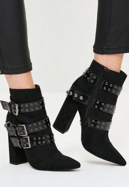 Spitze Ankle Boots mit Schnallen in Schwarz