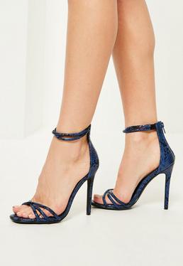 Niebieskie sandały na obcasie w wężową skórkę