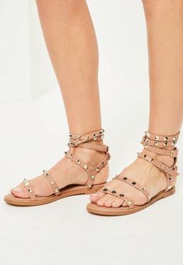 Różowe sandałki gladiatorki z ozdobnymi ćwiekami