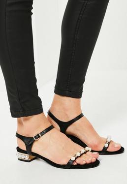 Sandales noires à talon doré et perles