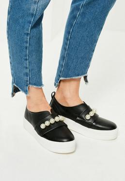 Black Pearl Detail Contrast Sole Sneakers