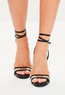 Czarne szpilki sandałki z przeźroczystym paskiem i zapięciem na kostce