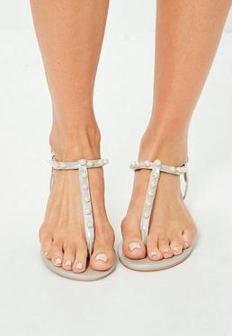 Silberne Zehentrenner Sandalen mit Perlen