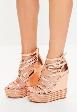 Złote metaliczne sandały na koturnie