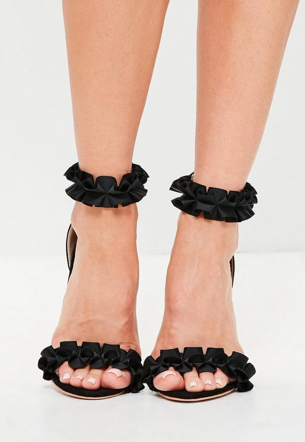 schwarze absatz sandalen mit r schendetails missguided. Black Bedroom Furniture Sets. Home Design Ideas