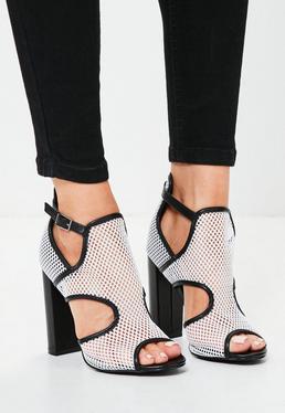 Sandales blanches en résille talon carré