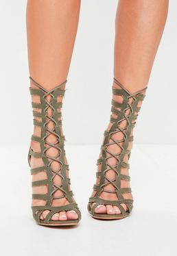 Sandales vertes découpées à talon