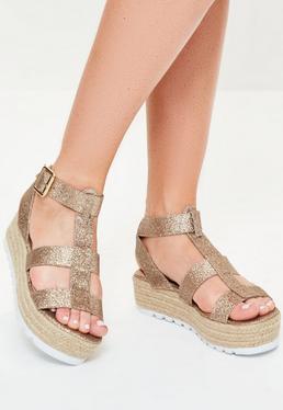 Sandales dorées pailletées à plateformes plates