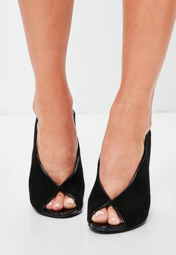 Peep Toe Shoe In Winter