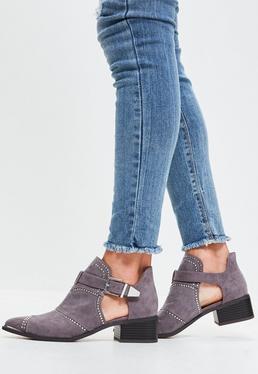 Graue Nieten Ankle Boots mit Cut-Outs