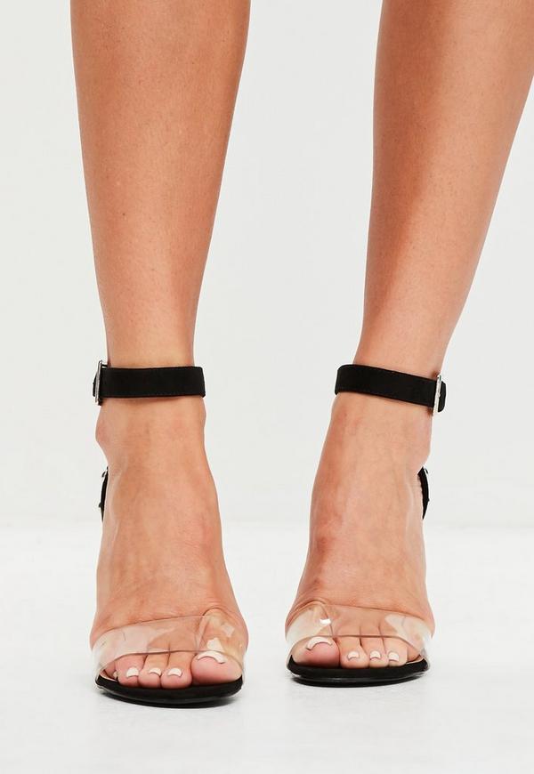 schwarze nieten sandalen mit blockabsatz missguided. Black Bedroom Furniture Sets. Home Design Ideas
