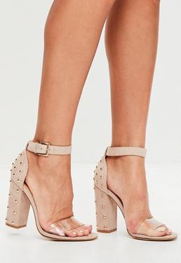 Nude Sandalen mit Nieten Blockabsatz