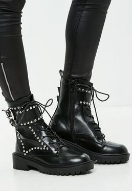 Czarne buty z ćwiekami