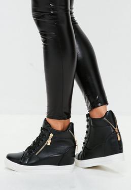 Zapatillas con cuña interior en negro