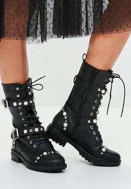 Botas de caña baja con perlas en negro