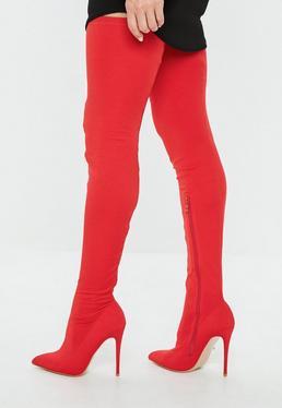 Botas hasta el muslo con punta en pico en rojo
