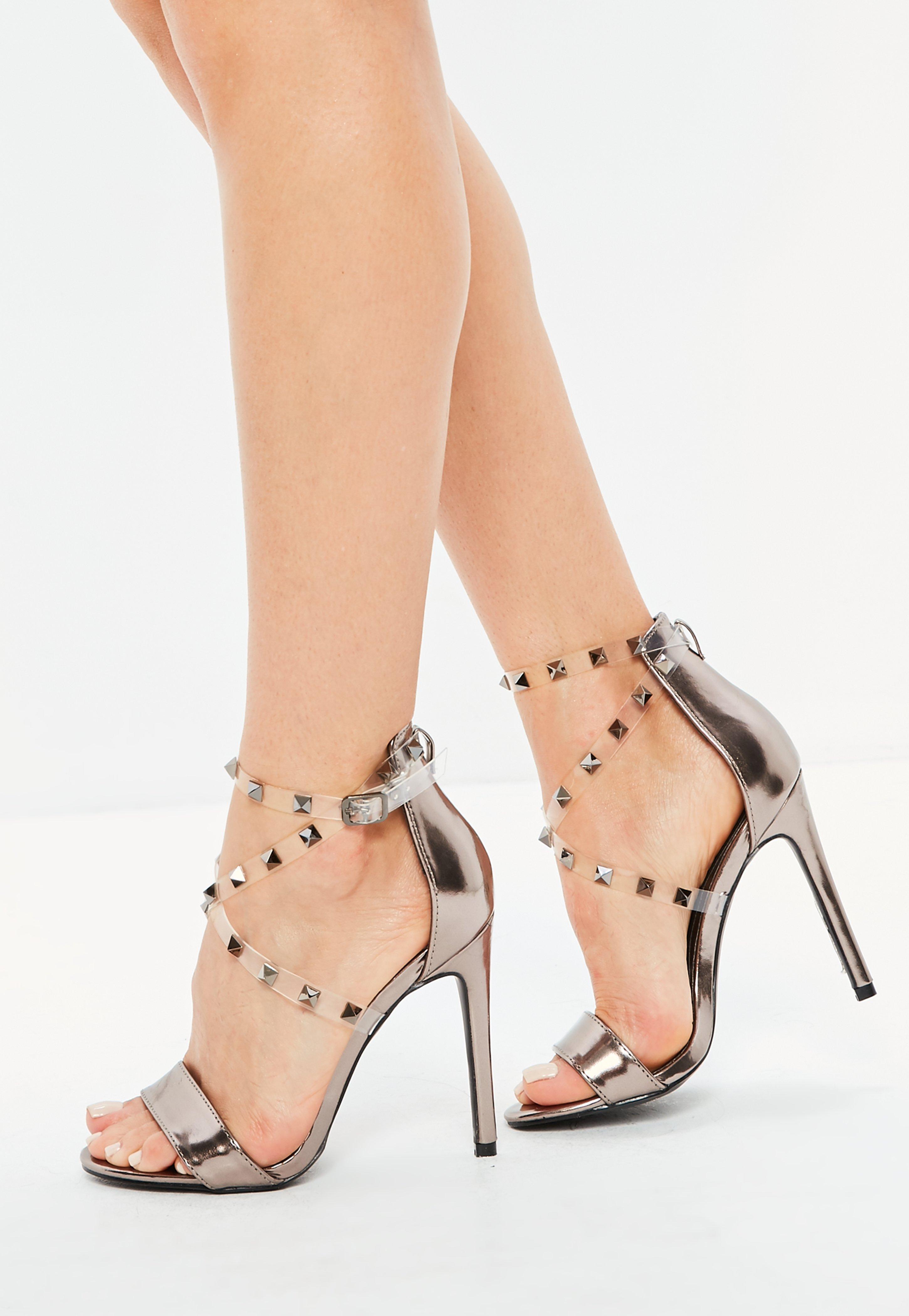 Silberne High Heels mit Nieten | Missguided