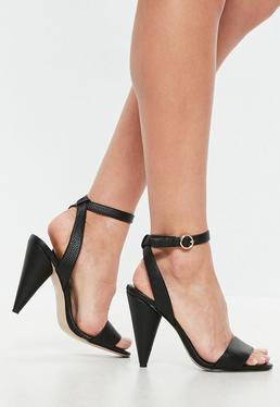 Czarne sandały na stożkowatym obcasie