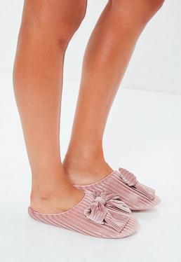 Zapatillas con canalé con lazo de terciopelo en rosa