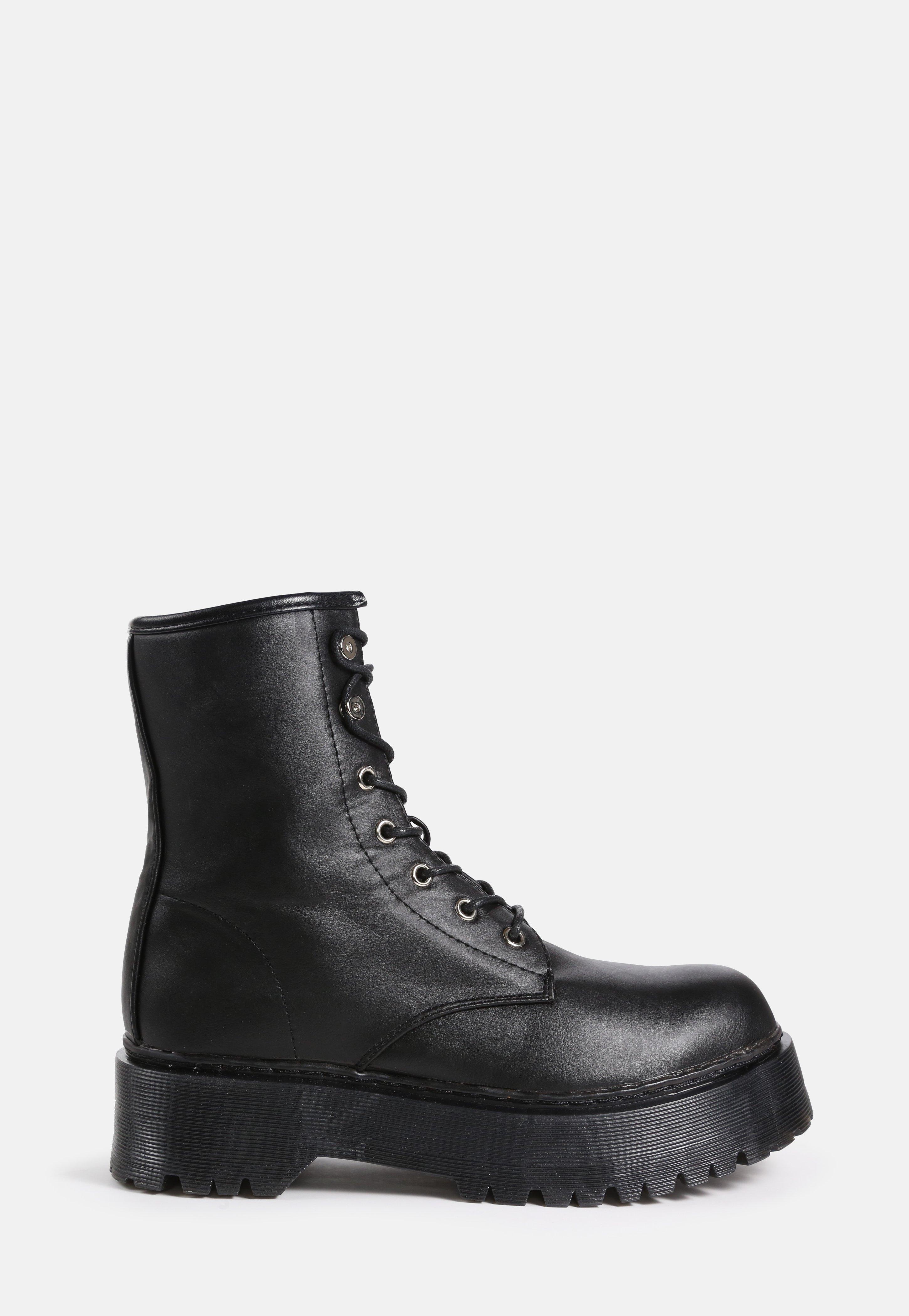 c77c82c4c34 Shoes