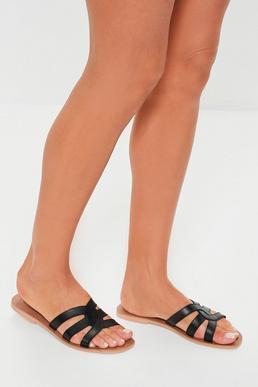 Черные сандалии из натуральной кожи с крестом спереди