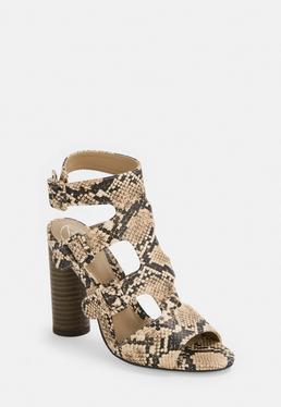 Многоярусные сандалии с пряжкой и змеиным принтом