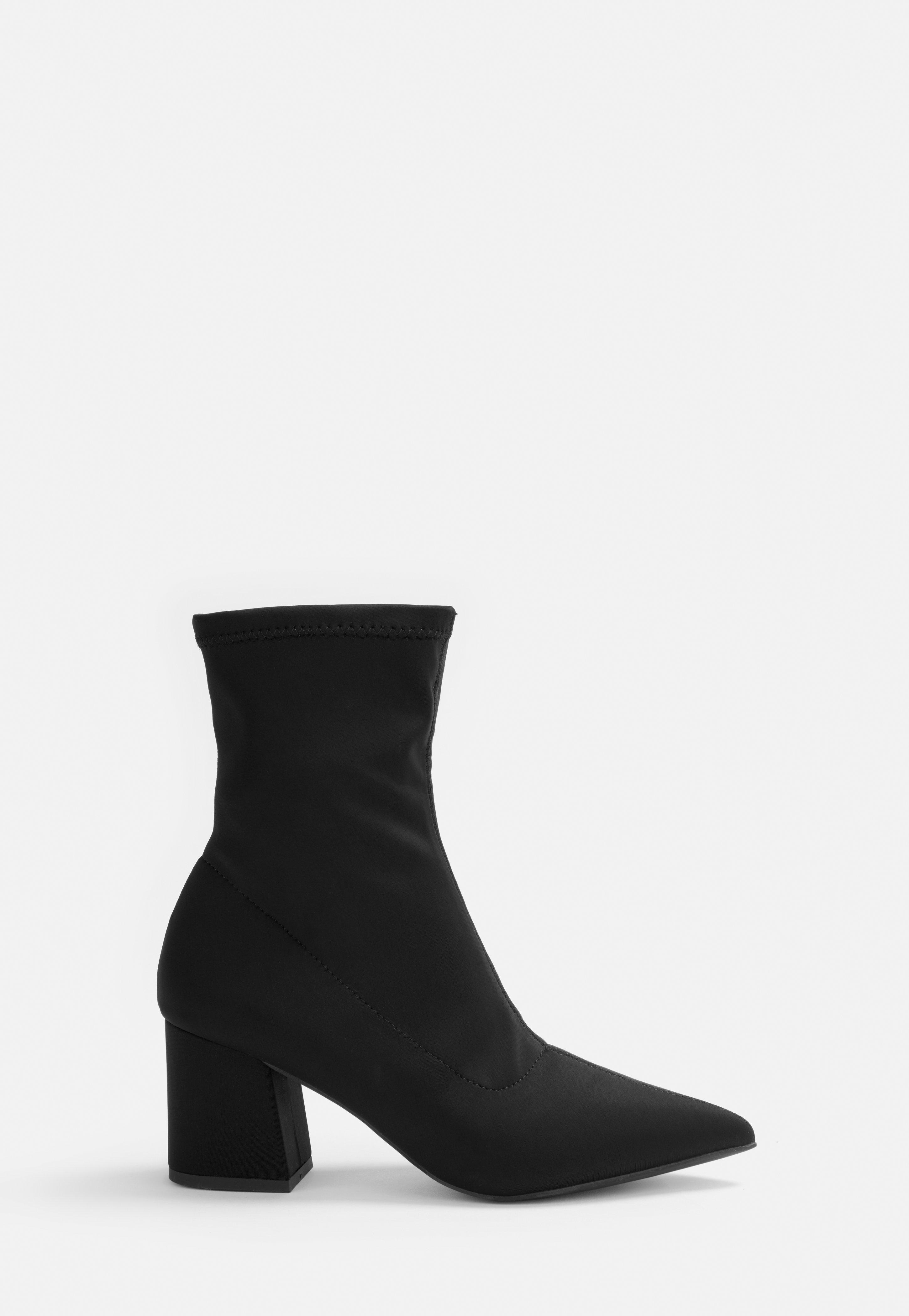 en soldes b3d8f 59f91 Bottines chaussettes pointues noires