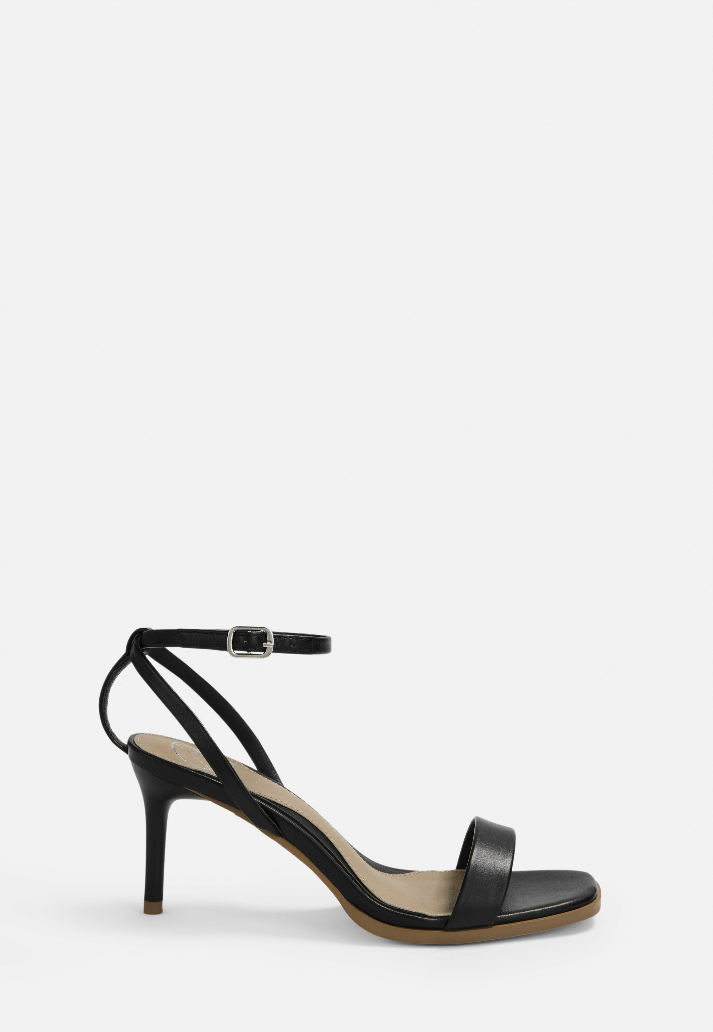 Czarne sandały na średniej szpilce | Missguided