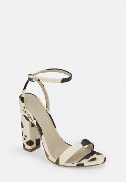 Высокие каблуки с принтом кремовой коровы