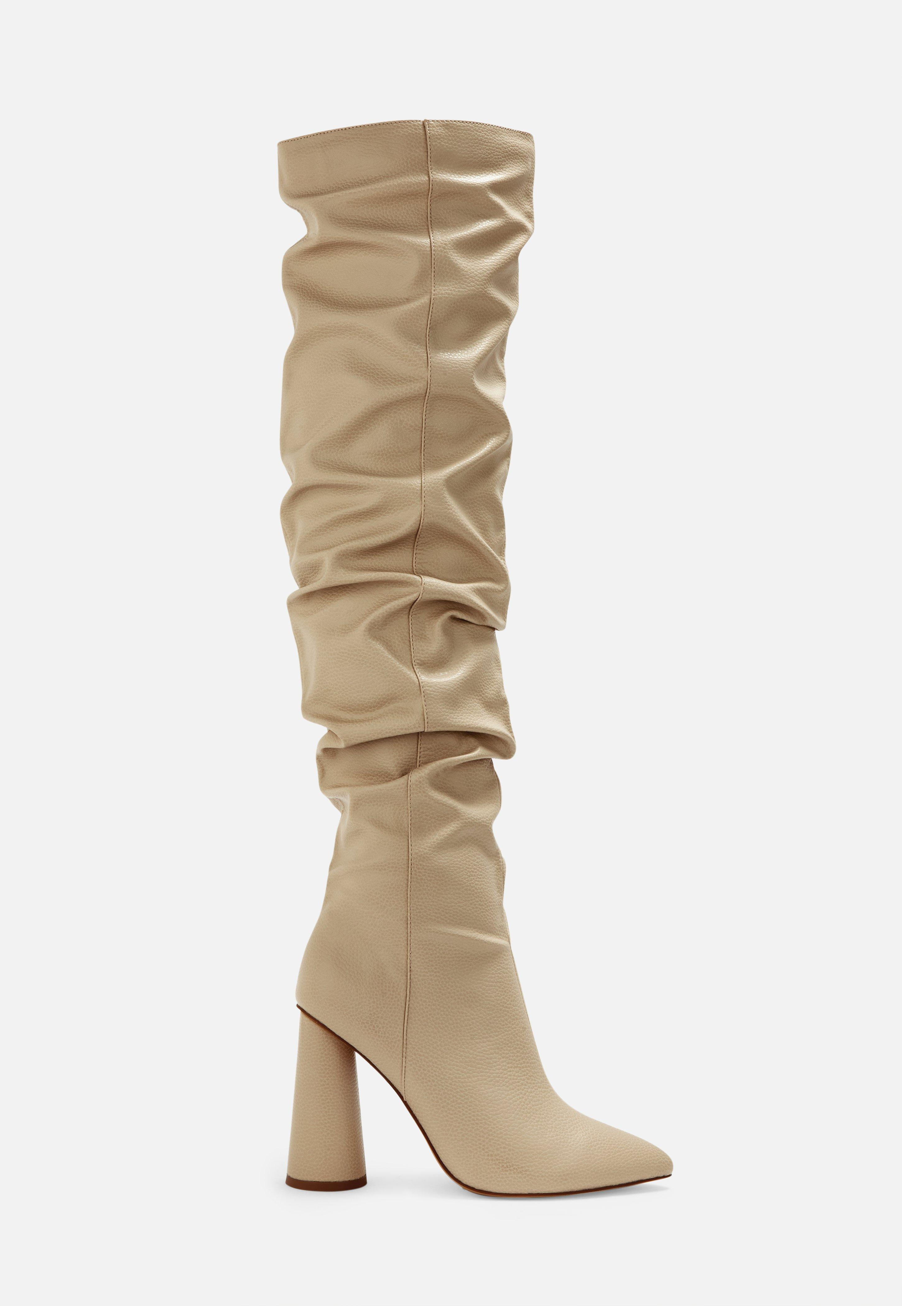 Geraffte Sock Boots mit Blockabsatz | Boohoo